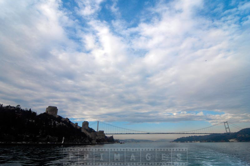 Panoramic view of the Sultan Mehmet bridge and Rumeli Hisari