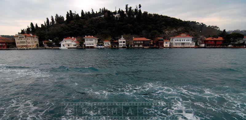 Beautiful houses line the shores