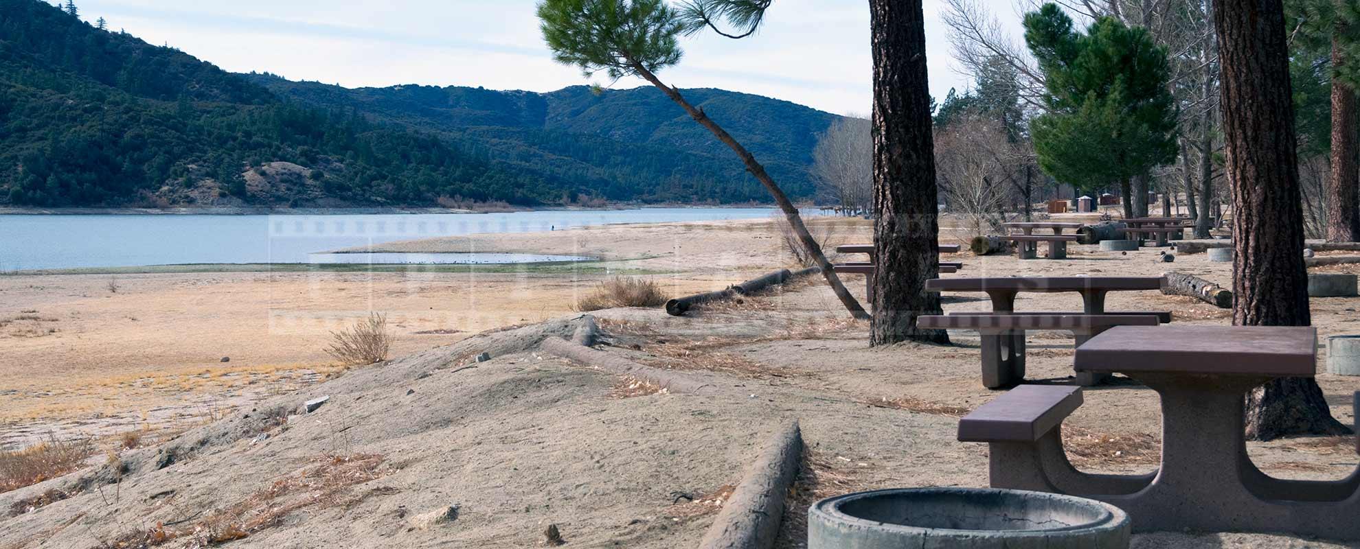 Lake Hemet camping picnic area
