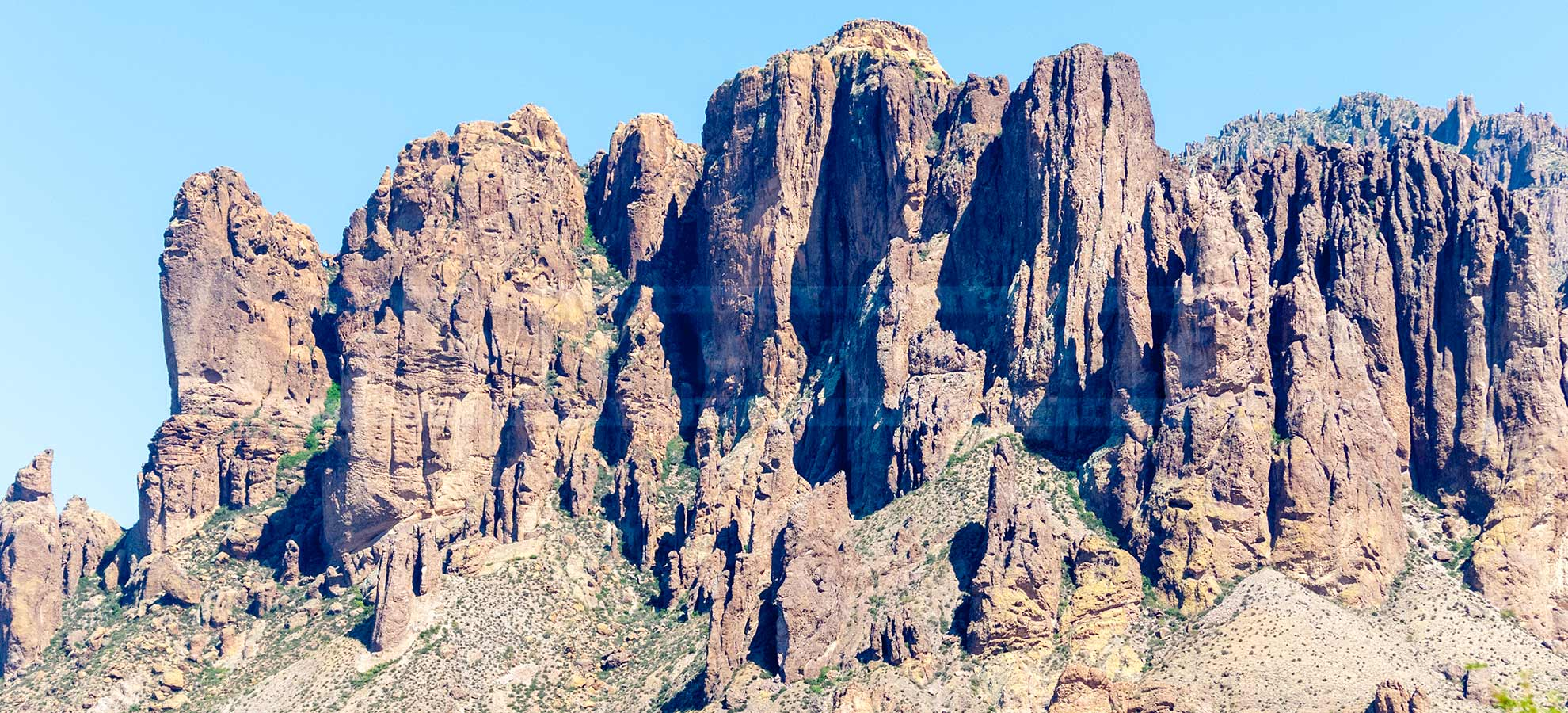 Superstition mountains rocky ridge