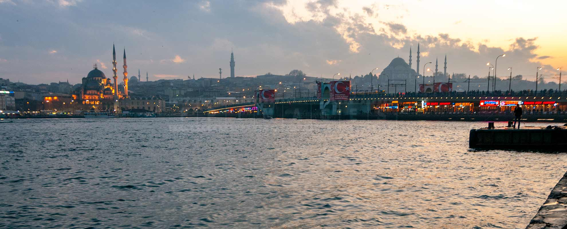 Galata Bridge in Istanbul has many restautants on the lower level